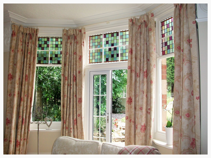 roman blinds curtains made cheltenham cotswolds. Black Bedroom Furniture Sets. Home Design Ideas